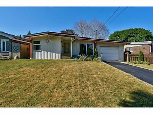 Lovely updated 3+1 bedroom bungalow