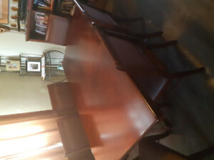 Dining set with Buffett and hutch