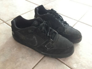 *GOOD CONDITION* NIKE SHOES [FITNESS, LIFESTYLE, & UNIFORM]