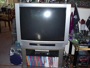 "Hitachi 32"" TV"