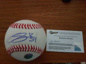 Roberto Osuna signed Baseball - Toronto BlueJays ALLSTAR Closer
