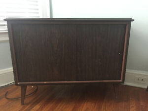 MCM Vintage TV/ Record Stand Cabinet - Walnut Finish- Asking $50