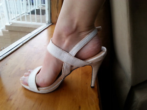 Jessica High Heels *BRAND NEW IN BOX* Size 7.5 Kingston Kingston Area image 10