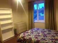 LARGE DOUBLE ROOM FOR SINGLE PROFESSIONAL IN OSTERLEY
