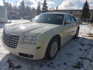 2008 Chrysler 300-Series**** NO ACCIDENT / ONE OWNER ****