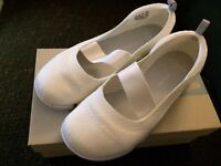 Clarks White cloud steppers shoes size 5