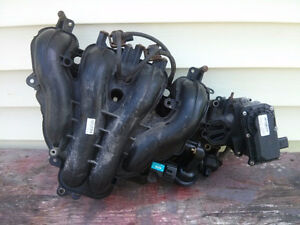mazda 4 cylinder intake manifold with throttle plate