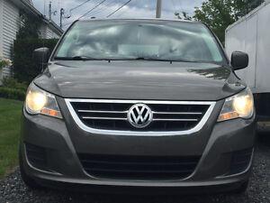 2010 Volkswagen Routan Comfortline