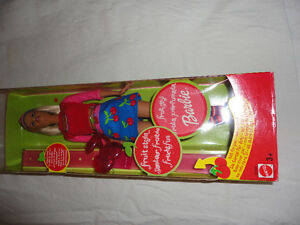 Brand new in box collectible cherry scented Barbie doll London Ontario image 4
