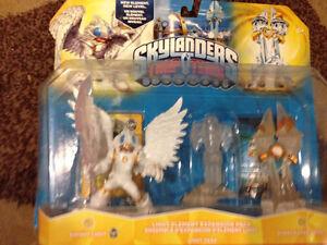 Skylanders; game, portals, figures and add-ons