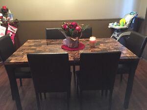 6 seat dinning room Set