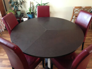 Round table dinning set