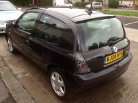 2004 Renault Clio 1.2 low miles + long mot