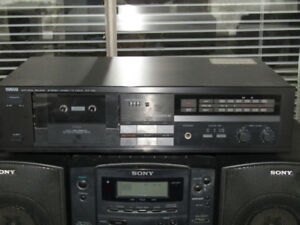 YAMAHA TAPE PLAYER