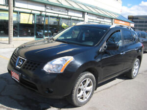2010 NISSAN ROUGE,TOP OF THE LINE MODEL!!CLEAN CARPROOF!!!AWD!!!