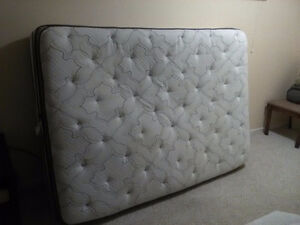 double bed beauty rest