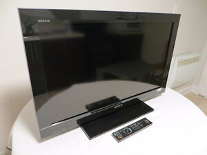 SONY Full HDTV - Top end picture/sound Quality - Likenew