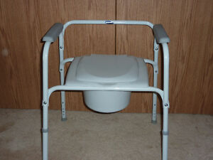 Invacare Commode