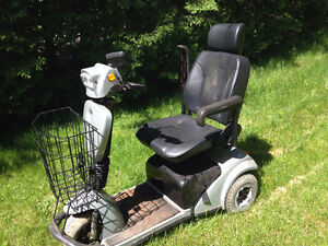 Electric Powered Mobility 3 Wheel Scooter