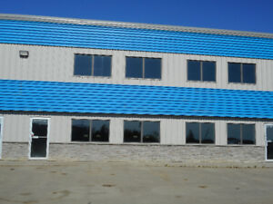 ** 5000 SQ FT COMMERCIAL BAY FOR RENT **