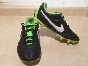 Youth Nike Tiempo Outdoor Soccer Cleats Size 5Y London Ontario image 3