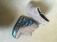 Wedge boots size 4