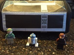 Star Wars Lego figures and case