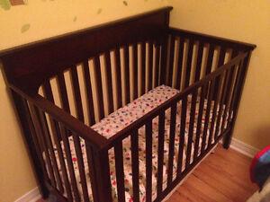 Graco Wooden Convertible Crib