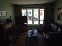 2 Rooms available in 3 bedroom house