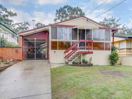 A spacious room available shared house in Salisbury Salisbury Brisbane South West Preview