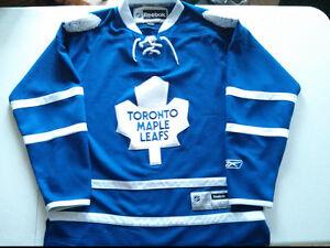 Reebok Toronto Maple Leafs men's Large jersey $20