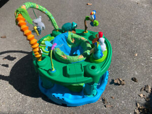 Exersaucer Bounce and Learn Zoo Friends Green//Yellow//Blue