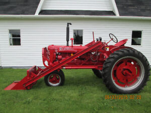 1950 FARMALL C  WITH FACTORY LOADER