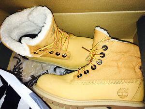 Never Worn Size 6 Timberlands