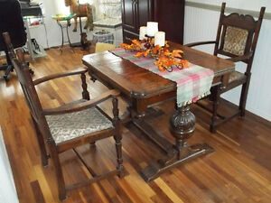 Antique Solid Wood Talbe And Chairs