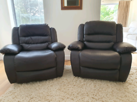 DELIVERY INCLUDED 2 x black leather fabric electric recliner armchair