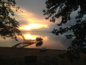 Cottage for rent on the beautiful Ottawa River near Arnprior