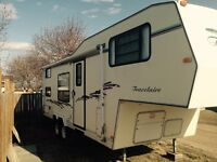 1998 25.5ft Travelaire 5th Wheel Trailer