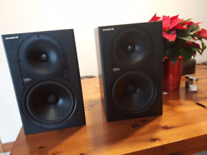 Mackie HR824 Powered Speakers - Worlds Greatest Deal