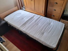 Jaybe folding bed