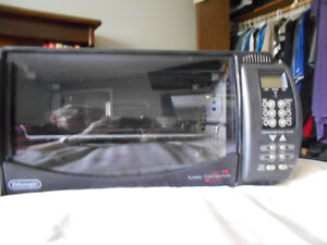 DELONGHI DIGITAL TURBO CONVECTION AND TOASTER OVEN