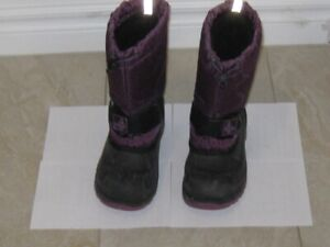 Rarely Used Girls' Insulated Winter Boots (US Size 2)