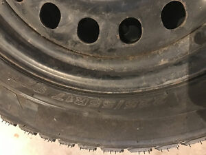 Used winter tires 225/55R17 West Island Greater Montréal image 1