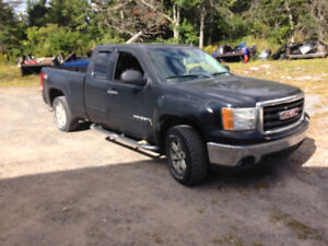 Parting out 2007  GMC Sierra