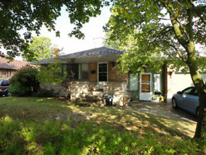 3 Bedroom lower Unit for Rent - $1600 UTILITIES INCLUDED sept 1