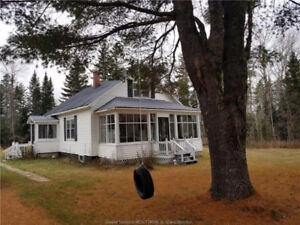 Chalet tout meublé/ Fully furnished cottage in Miramichi