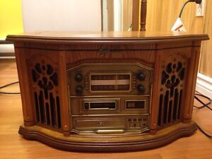 Emerson turntable CD player and radio