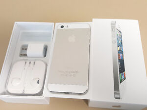 Apple iPhone 5 - 16gb -(Silver)  Like New/Accessories