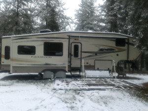 2013 33ft 5th wheel for sale