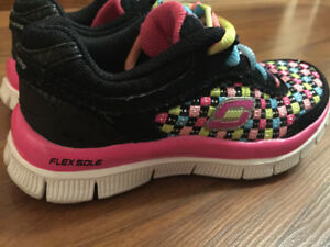 Sketchers shoes for toddler girl size 11